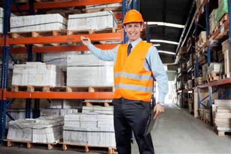warehouse manager description