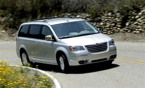 2010 Chrysler Town And Country Reviews by 2010 Chrysler Town Country Review Car Reviews