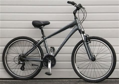 giant comfort bike small giant sedona w 21 speed comfort commuter bike 5 2 quot 5 6 quot