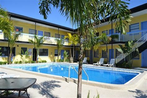 cheap hotel rooms clearwater florida budget friendly vibe friendly staff gem review of surf n sand clearwater