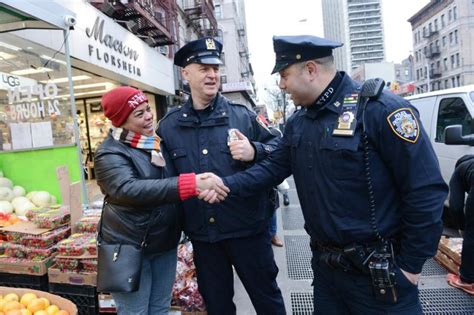 How Many Nypd Officers Are There by Nypd Top Cop S Program Lets Officers Focus On Community