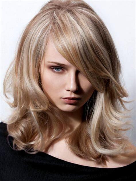hair for round faces long nose ces 7 nuances de blond vont vous donner envie de sauter le