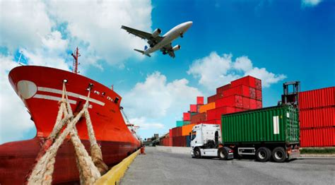 benefits of freight forwarder versus a transportation carrier