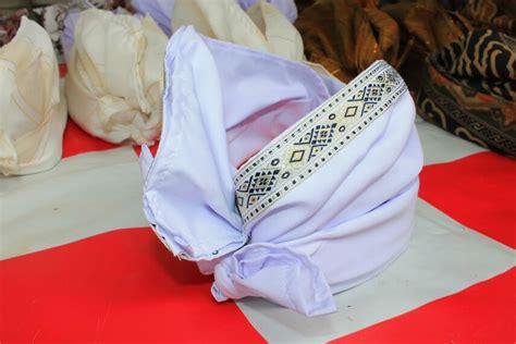 Ikat Kepala Udeng Bali Topi Adat 7 nama dan gambar pakaian adat bali untuk wanita dan pria balubu