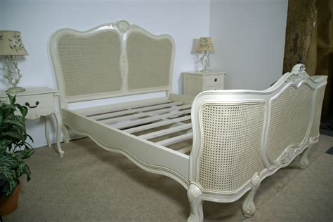 wicker bedroom furniture sharpieuncapped