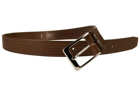 brown leather belt in unique chevron embossed design