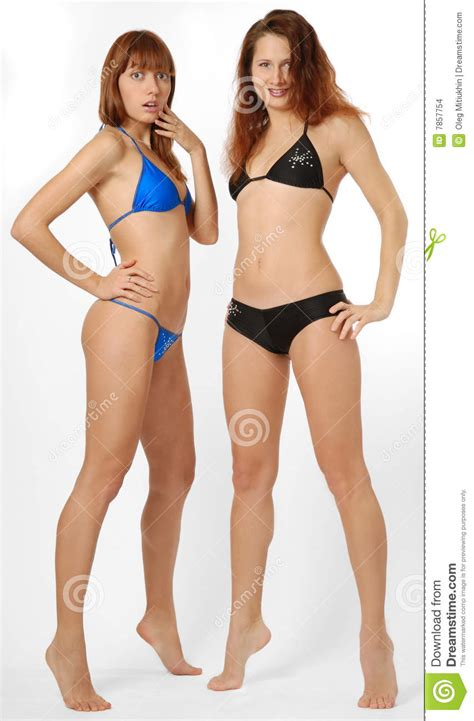 donne in bagno in due due ragazze in vista frontale fotografia stock