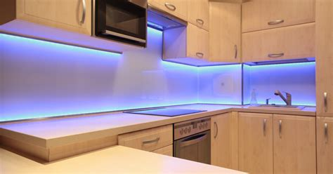 32 Beautiful Kitchen Lighting Ideas For Your New Kitchen Kitchen Cabinet Lighting Options