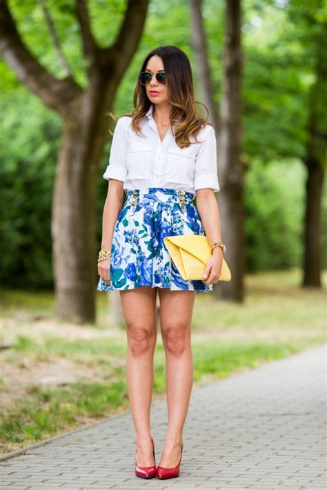 create cheerful outfit with floral skirt 17 inspiring
