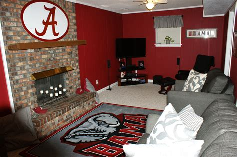 crimson bedroom ideas love it bama football pinterest