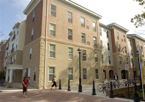 university of michigan housing developers the courtyards pioneered upscale student housing at the university of