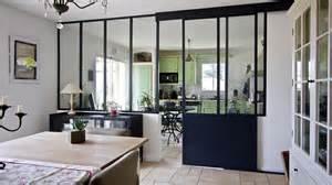 Attrayant Comment Faire Un Plan De Salle De Bain #9: 08313224-photo-verriere-cuisine-noire-style-classique-laforgedescollines-2.jpg