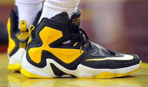 Yuk Sale Nike Lebron 13 Elite Pe Black Yellow lebron 13 light blue yellow running