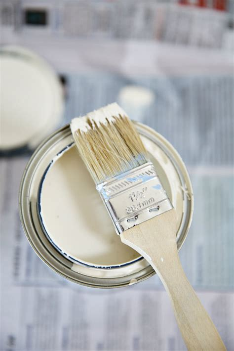 how to white paint how to paint furniture and an easy makeover 171 by the sea by the sea