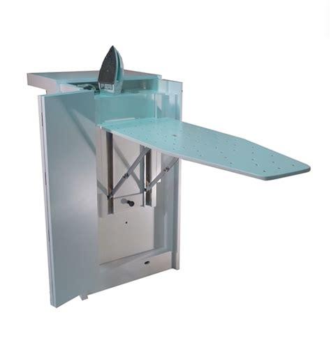 mueble para tabla de planchar mueble para planchar la carpinteria cerca del arte