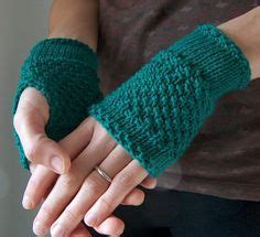 Stitch Handwarmer free fingerless mitts and gloves patterns how to knit