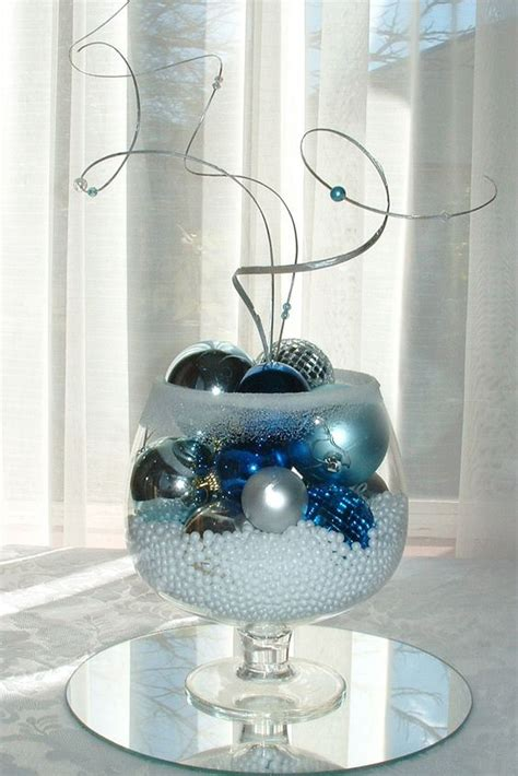 winter ornament centerpiece be done in any color combinations neat ideas