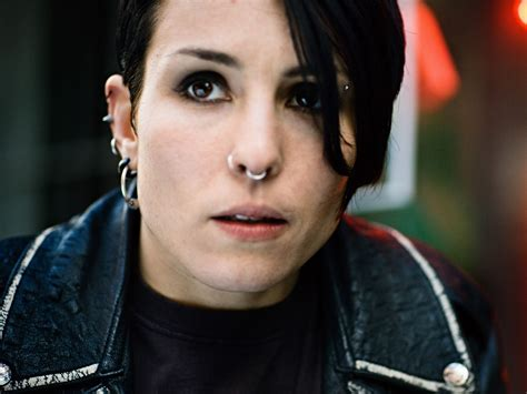 noomi rapace girl with the dragon tattoo the establishing january 2011