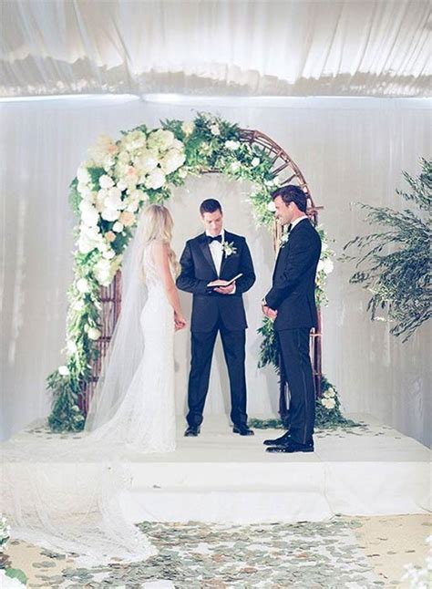 Lauren Conrad shares wedding pictures on throwback