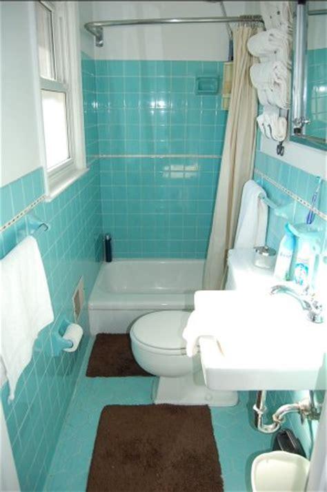 Scenes from 22 blue midcentury bathrooms retro renovation