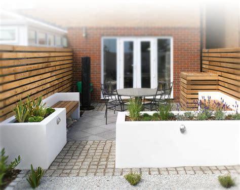 a small contemporary garden woodpecker garden and