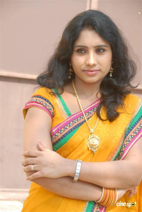 actor latha latha actress stills 30