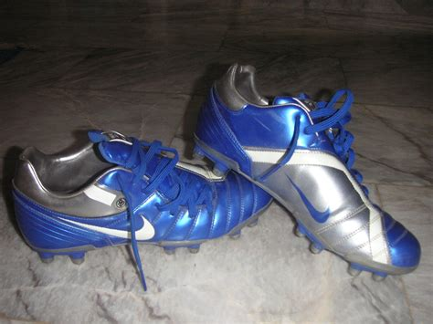 football shoes wiki file soccer shoes jpg simple the free