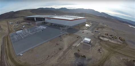 Tesla Giga Factory Look At Elon Musk S Tesla Gigafactory