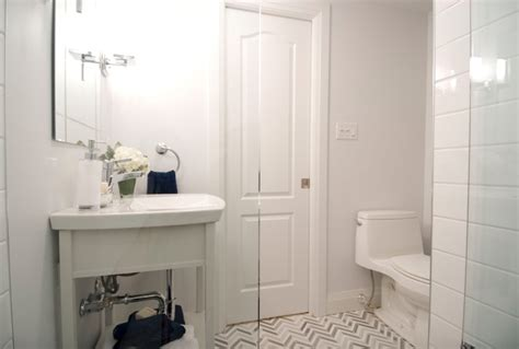 how to make a small bathroom look larger how to make a small bathroom look bigger bathroom