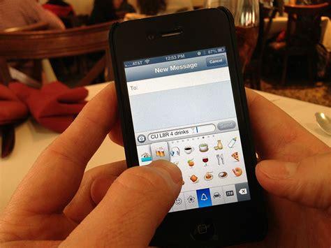 porbhub mobile pornhub ruins emojis for everyone with new texting for