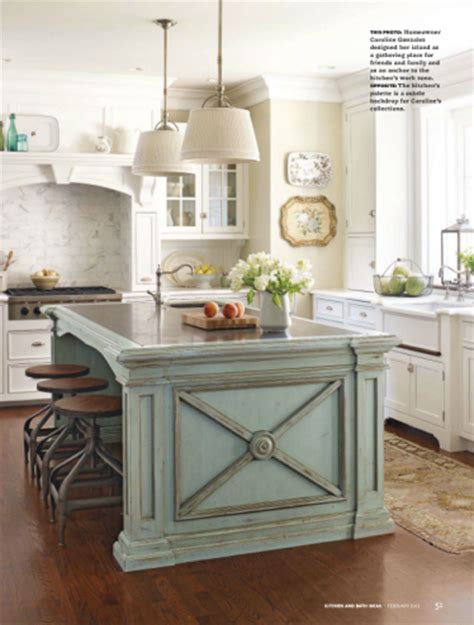 Kitchen Island Accent Color Eye For Design Decorate Your Kitchen With Two Tone Cabinets