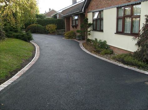 Cheap Driveway Gravel Tarmac Driveway With Blockwork Edging Driveway And Front