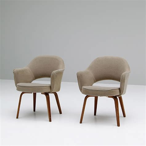 knoll armchairs used city furniture two saarinen executive armchairs for