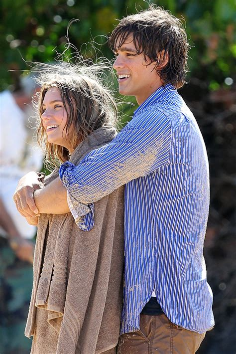 film blue lagoon 2013 indiana evans and brenton thwaites photos photos indiana