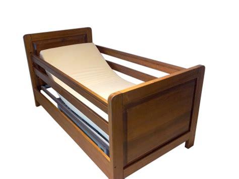 barre letto bimbi letto per disabili con barre di protezione anticaduta a