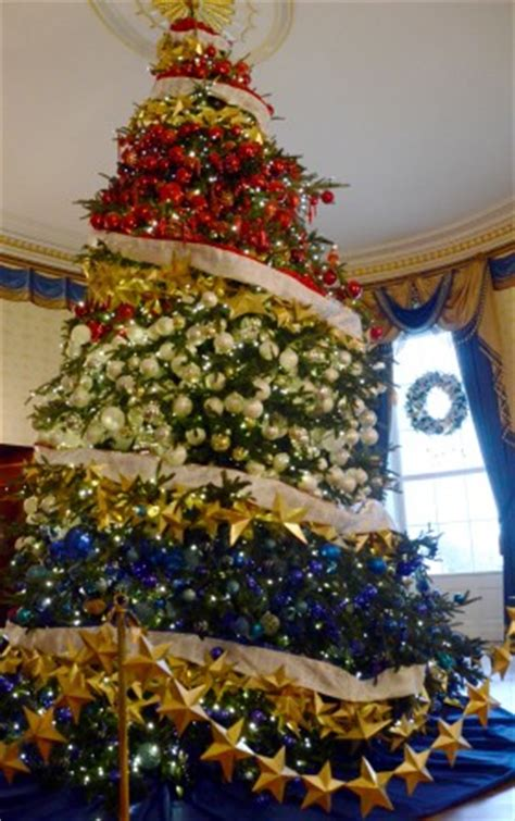 1996 blue room christmas tree white house decorations celebrate timeless traditions scripps howard foundation wire