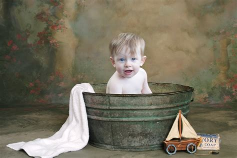 bathtub photo prop murfreesboro photographer little tots photography by sarah