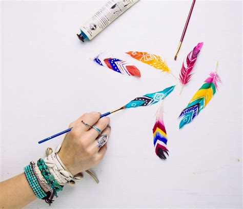feathers for craft projects diy painted feathers painted feathers diy and crafts