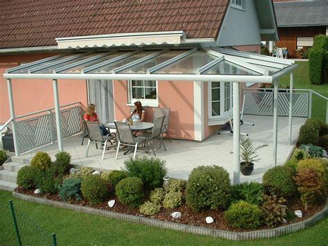terrassendach terrassenueberdachung glaselemente sonnenschutz