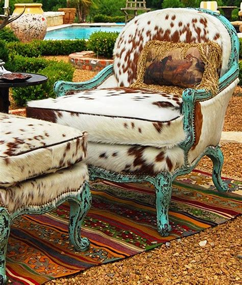 Cowhide Home Decor by Best 25 Cowhide Rug Decor Ideas On Hide Rugs