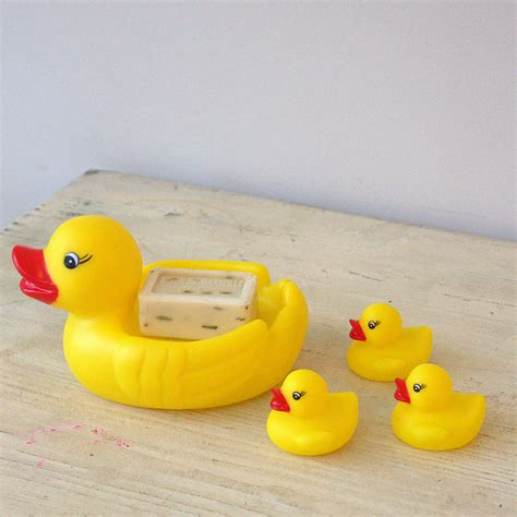 baby duck bathtub mummy and baby bath time duck family by little ella james