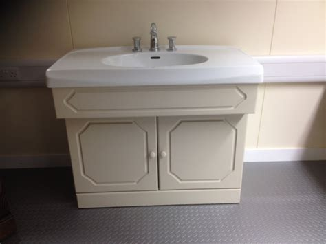 second hand kitchen sinks second hand vanity unit complete with selles sink wash