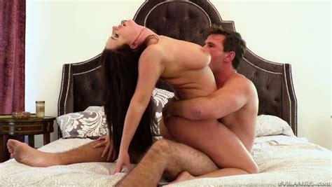 Aussie Milf Angela White Shakes Her Giant Tits While