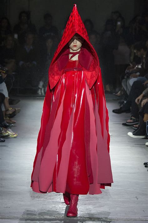 In The Of The Reviewer Comme Des Garcons by Comme Des Gar 231 Ons 2015 Rtw Review Vogue