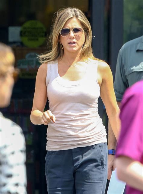 mother s day movie jennifer aniston mother s day the jennifer aniston on the set of the movie mother s day