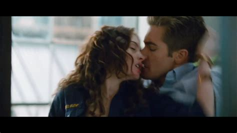 of love and other love other drugs official trailer love other drugs image 26553271 fanpop