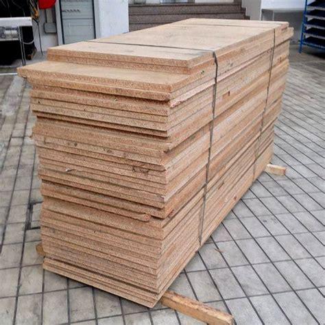 scaffali in legno usati vendita ripiani in legno truciolato usato per soppalco