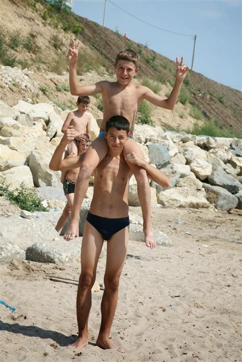 10 year old boys in speedos image gallery speedo boys 14