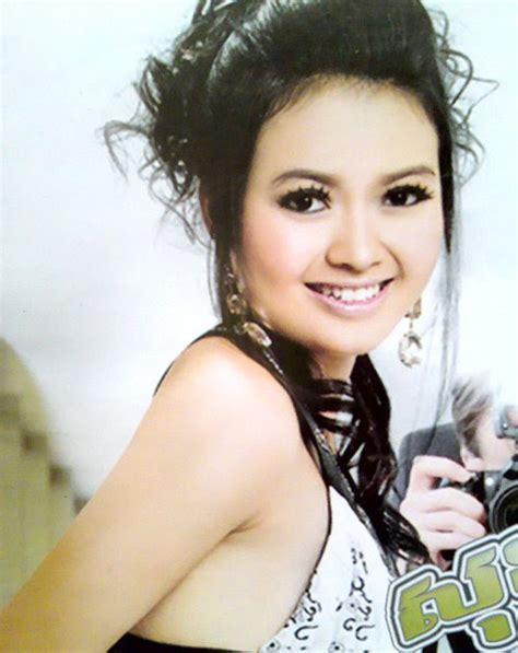 best khmer models for magazines khmer girl photo khmer hot model khiev sokharavy