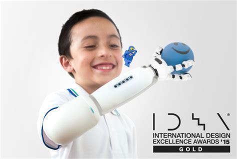 idea design awards 2015 uid students win three awards at the international design